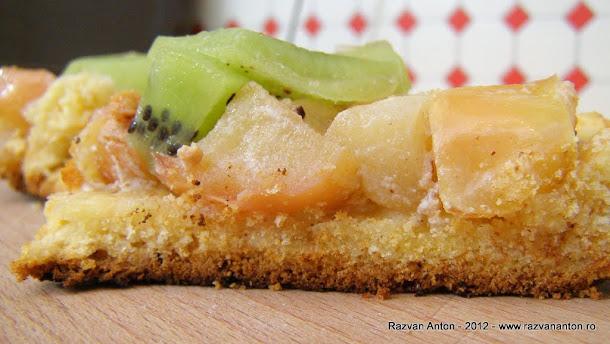 Razvan Anton tarta cu mere si kiwi