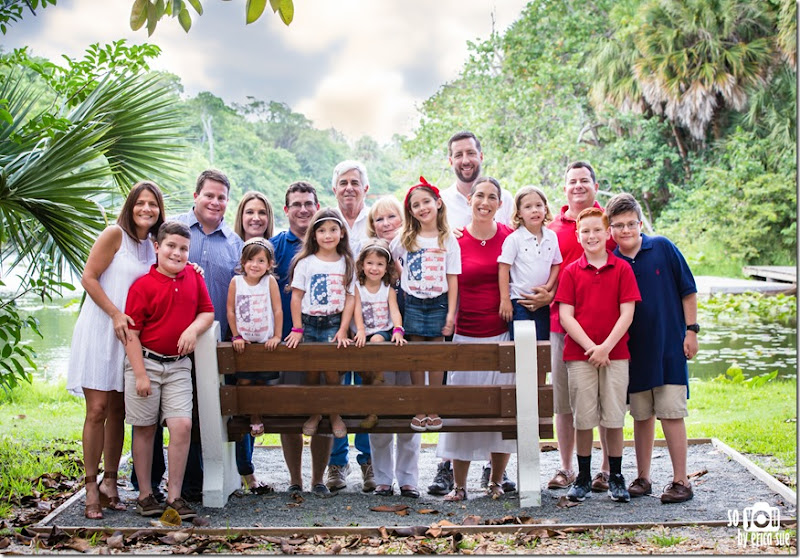 Extended-Family-Photo-Session-Hugh-Taylor-Birch-State-Park-FL-Photographer--5