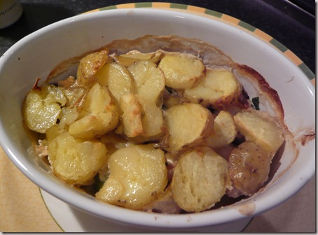 chicken, leek and mushroom hotpot