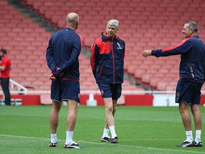 Wenger makes top-four claim