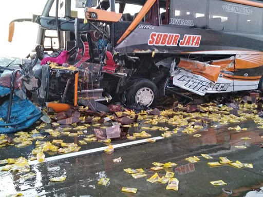 Body Bus SHD Terbukti Mampu Selamatkan Puluhan Penumpang Dalam Kecelakaan Bus Di Tol Ngawi
