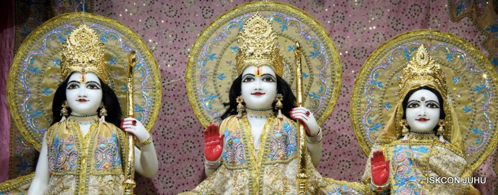 ISKCON Juhu Mangal Deity Darshan on 24th Oct 2016 (8)