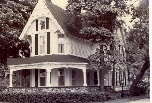 Dr William Morris House on Pine Lake Circa 1899