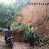 Longsor di Sukabumi, 3 Rumah, 2 Sekolah, Jalan Penghubung 2 Desa Tertimbun Longsor Hingga Lumpuh Total