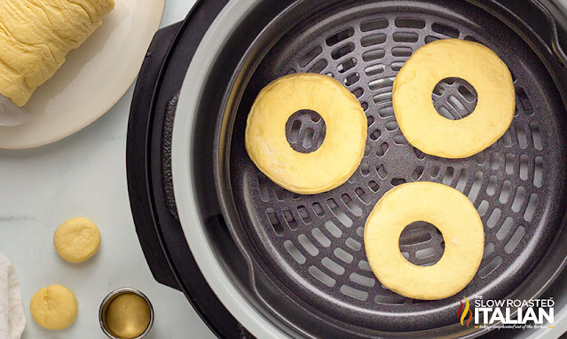 air fried donuts in the air fryer