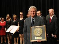 25 Az egyik Pro Urbe díjat Dolník Juraj nyelvészprofesszor kapta.jpg