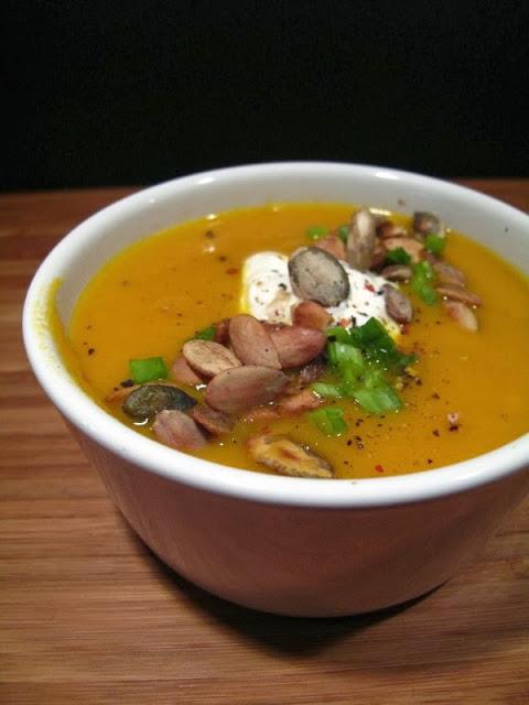 Zupa krem z marchewki i dyni, z imbirem i kurkumą