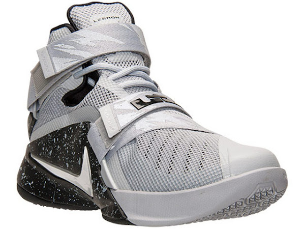 hot sale online 5f2e6 0e2ea This Grey & Black LeBron Soldier 9 Joins the Premium Club ...