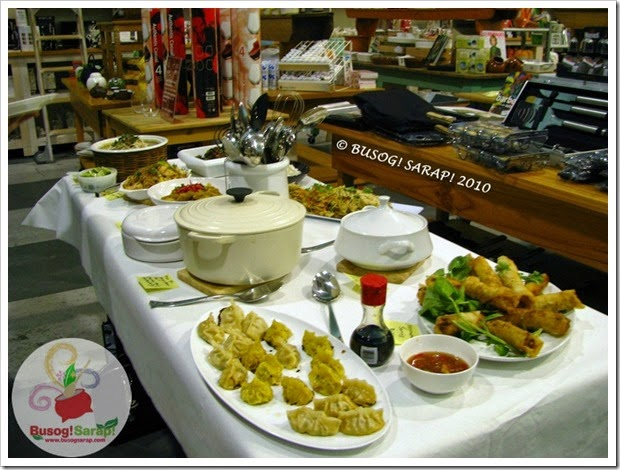 Asian theme Buffet table© BUSOG! SARAP! 2010