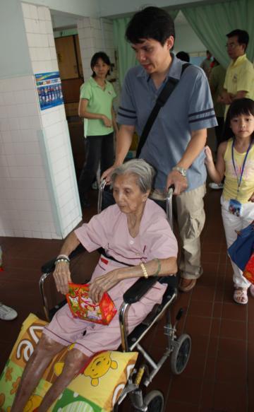 Charity - CNY 2009 Celebration in KWSH - KWSH-CNY09-47.jpg