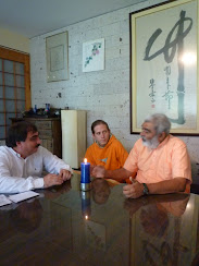 Sadhu Maharaja interviewed by Welsh Estivene Program: Good Health by Dr. Pérez Albela, TV channels 5 and 51