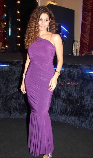 Tanaaz Irani Height