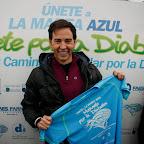 David Meca dió el pistoletazo de salida a la II Carrera y Caminata por la Diabetes y lució su camiseta para formar parte de la marea!