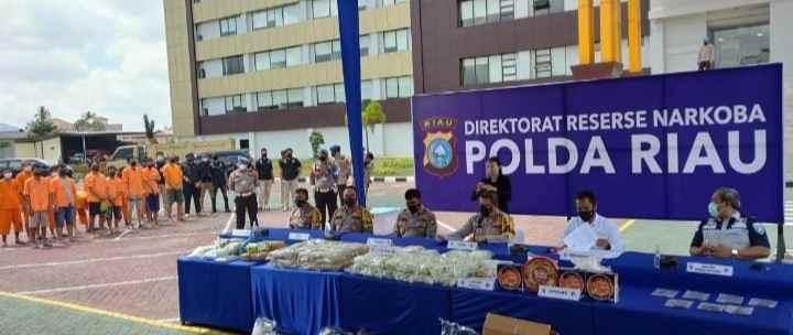 Kapolda Riau : Kerjasama Menjadi Kunci Pemberantasan Narkoba.