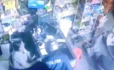 Perampok Bersenjata Parang di Denpasar Pakai Jaket Bertulis Polisi