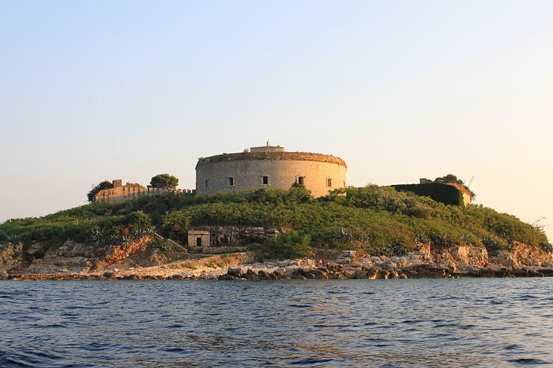 Mamula-isola-fort-9