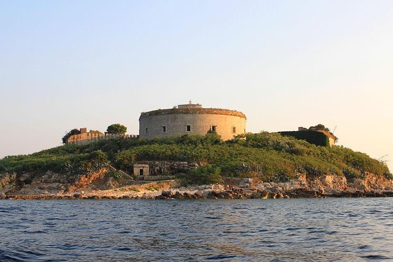 mamula-island-fort-9