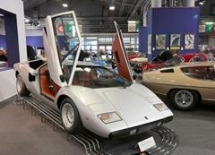120 Lamborghini LP400 Countach