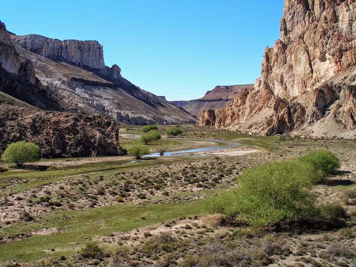 Valle y Río Pinturas