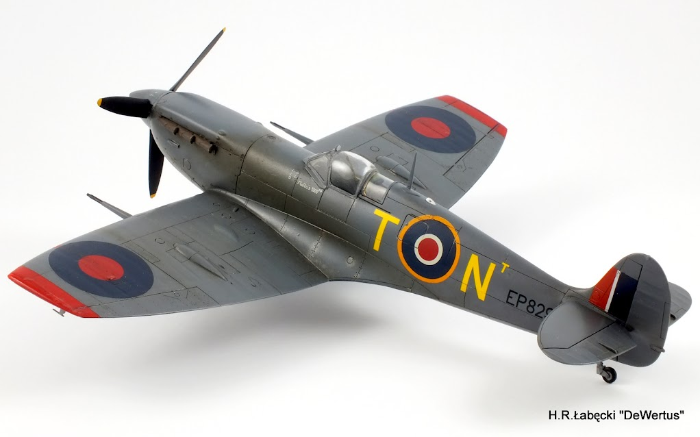 Malta 1940-43, Spitfire Mk.Vb, 249 Sqn RAF, Tamiya 1/48 DSCF4165