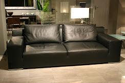 divano Saba Café de flore in pelle nera.jpg