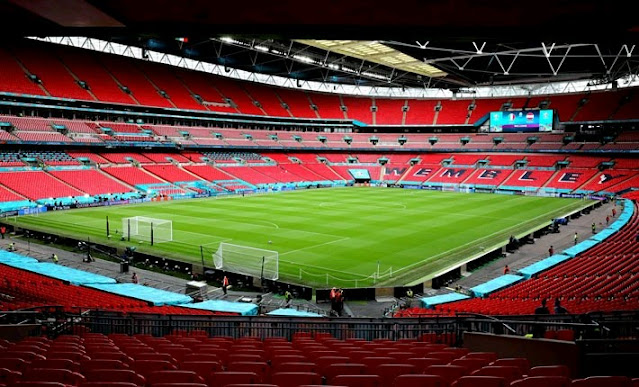 Manchester City and Leicester City contest in the FA Community Shield on KBC