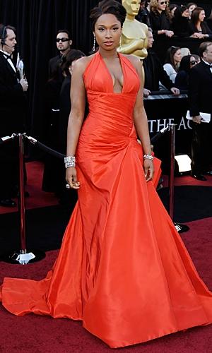 scarlett johansson oscars 2011 red carpet. Scarlett Johansson in Dolce amp;