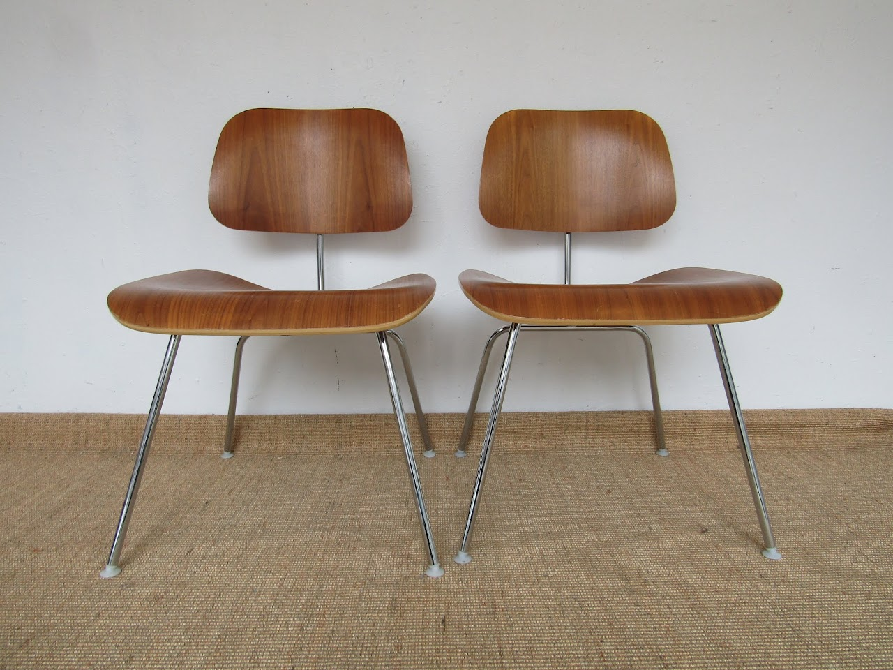 Eames Molded Plywood Chair Pair (6)
