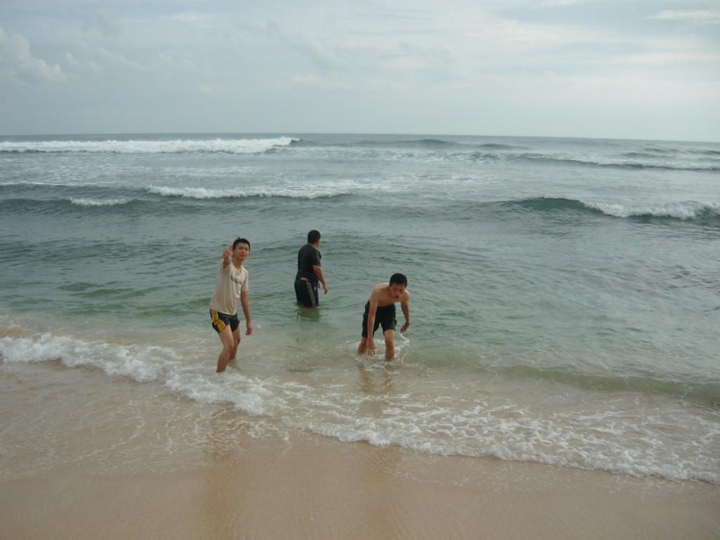 ombak bagus di pantai indrayanti