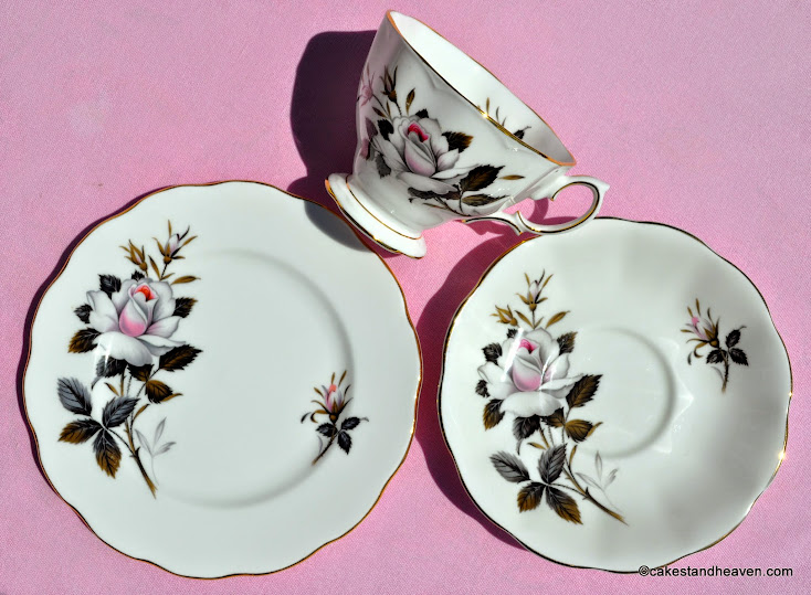 Queen's Messenger china teacup trio c.1960's