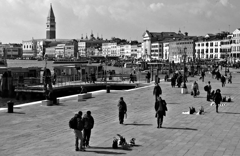 Street in Venice di donyb
