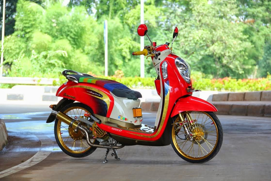 Foto Modifikasi Scoopy Thailand