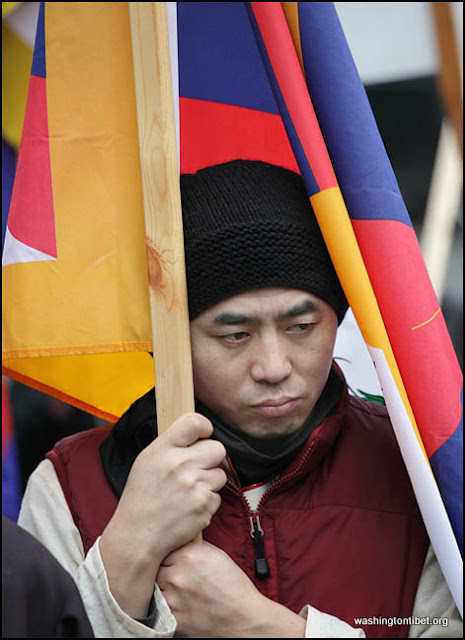 Global Solidarity Vigil for Tibet in front of the Chinese Consulate in Vancouver BC Canada 2/8/12 - 72cc%2B0323%2BA.jpg