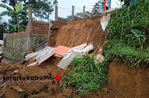 Longsor di Kecamatan Kabandungan Sukabumi / Foto : Asep M-Rhe (10/2/2019)