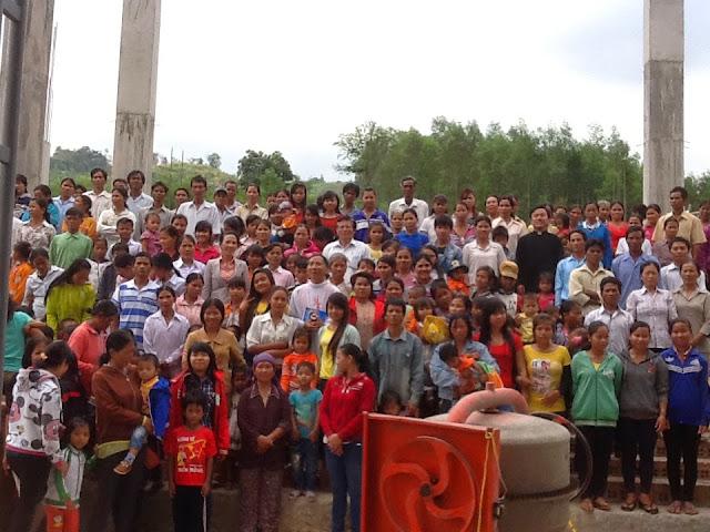 Những hình ảnh hướng đến lễ đặt viên đá xây dựng nhà thờ Khánh Vĩnh ngày 24.4.2015