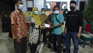 Hj Ellya Alwaini Bersama Ketua Yayasan Al Muhsini Mengadakan Pertandingan Bedminton Di Nitu