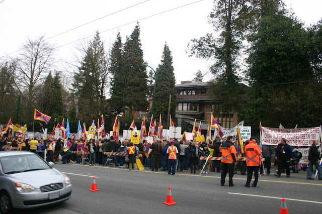 Global Protest in Vancouver BC/photo by Crazy Yak - IMG_0444.JPG
