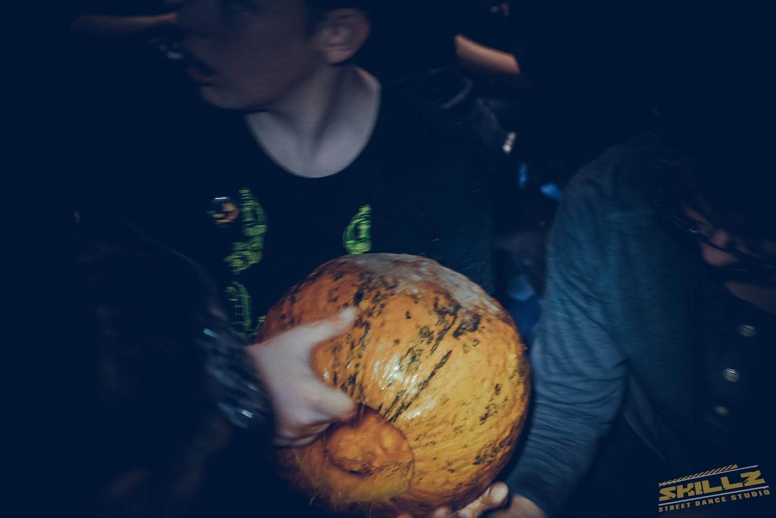 Naujikų krikštynos @SKILLZ (Halloween tema) - PANA2041.jpg