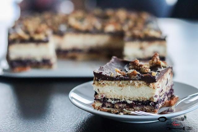 ciasta i desery, ciasto bez pieczenia, ciasto z kajmakiem, ciasto z dżemem, ciasto z kremem,krem z mlekiem w proszku,ciasto z orzechami, szybkie ciasto