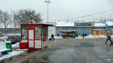 Photo: Bratislava: Bahnhofsvorplatz