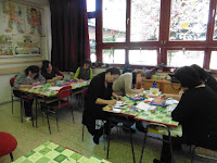 11 A pedagógusok rajzolnak.JPG