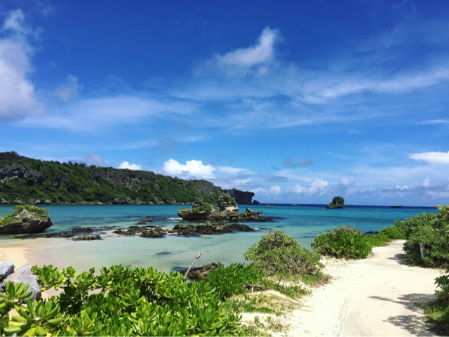 Nabee Beach in Onna, Okinawa is a free beach with great facilities and clear water. Perfect for families