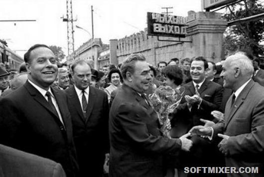 450px-Баку._Встреча_Л._И._Брежнева_на_вокзале_(30.09.1970)_