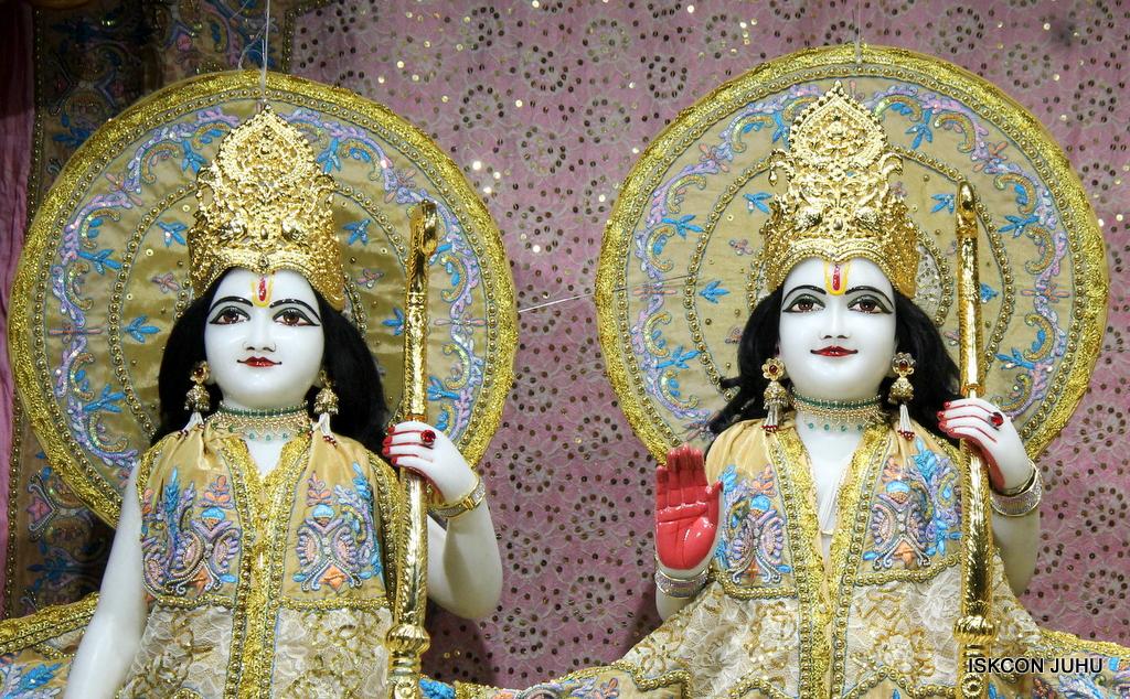 ISKCON Juhu Mangal Deity Darshan on 24th Oct 2016 (10)