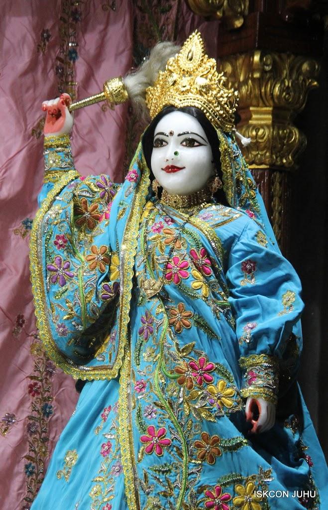 ISKCON Juhu Mangal Deity Darshan on 27 April 2016 (25)