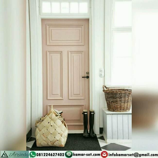 pintu kamar warna pink