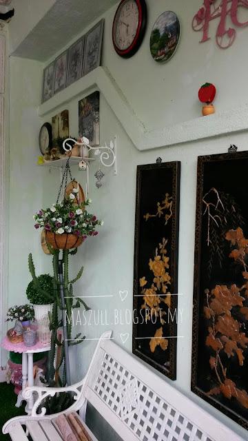 DIY | TAMPAL WALLPAPER RUANG DEPAN RUMAH