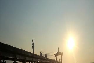 Foto Keindahan Sunset Di Dermaga