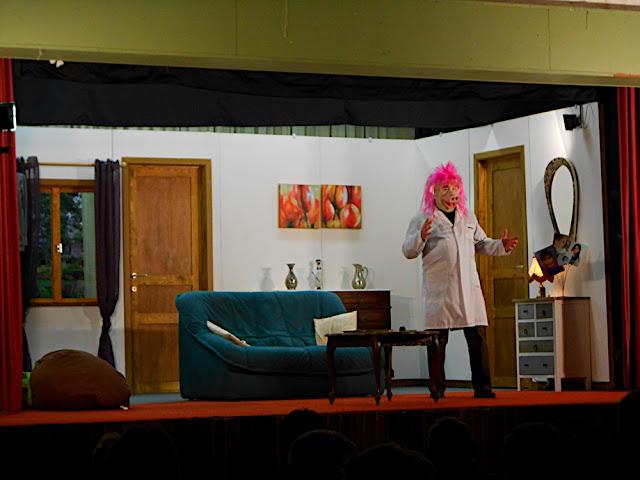 theatre 2012 - DSCN0591.JPG