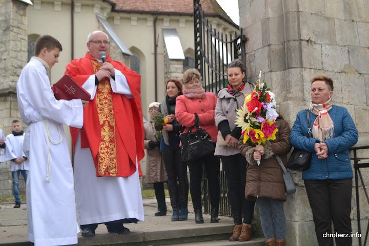 przed kościołem wChrobrzu